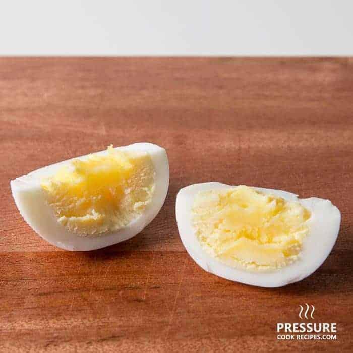 12 minutes pressure cooker hard boiled egg pressurecookrecipes.com