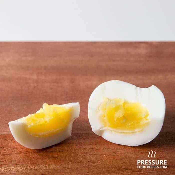 9 minutes pressure cooker medium boiled egg pressurecookrecipes.com