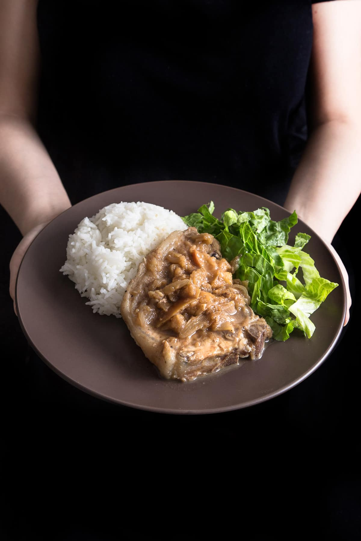 Make this quick & easy 1-minute pressure cooker pork chops and simple homemade applesauce. Moist & tender pork chops drizzled with warm cinnamon applesauce. Yum!!