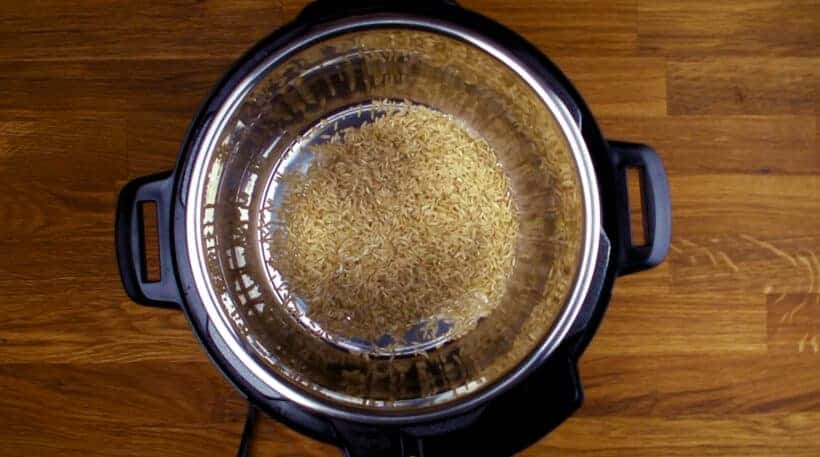 Cooking brown rice in Instant Pot    #AmyJacky #InstantPot #PressureCooker #vegan #vegetarian #rice #sides