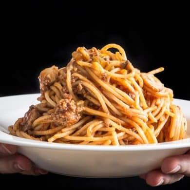 Instant Pot Spaghetti   Instant Pot Spaghetti Bolognese   Pressure Cooker Spaghetti   Pressure Cooker Spaghetti Bolognese   Instant Pot Pasta   Pressure Cooker Pasta   Instant Pot Recipes   One Pot Meals   Meat Sauce #instantpot #pressurecooker #recipes #easydinner #dinner