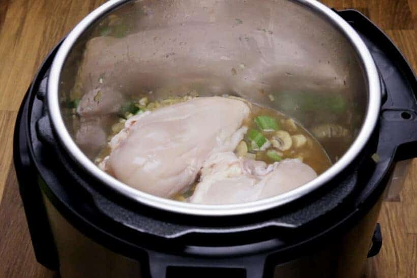 cooking chicken breasts in Instant Pot #AmyJacky #InstantPot #PressureCooker #recipe #chicken #soup