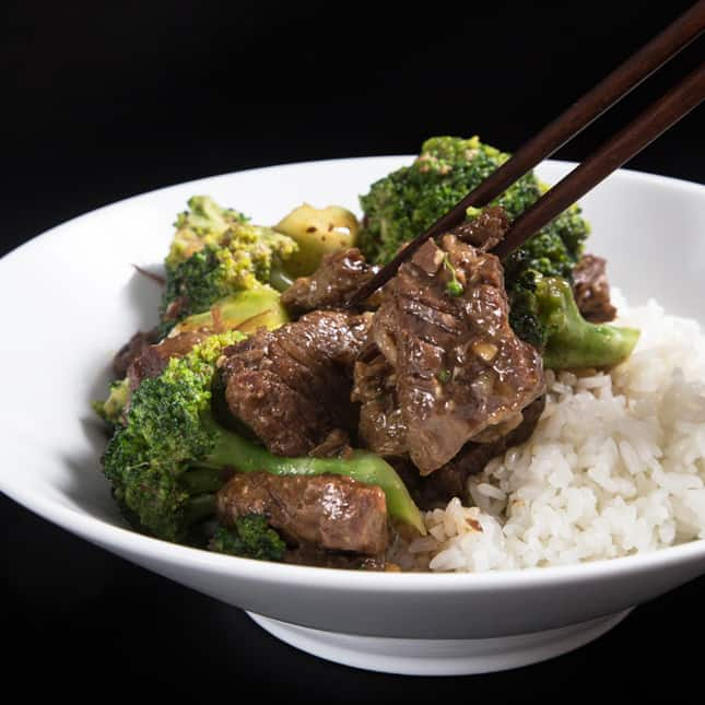 Easy Instant Pot Recipes (Easy Pressure Cooker Recipes): Instant Pot Beef and Broccoli
