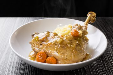 Make Easy Pressure Cooker Turkey One Pot Meal in an hour! Tender turkey, buttery mashed potatoes & rich turkey gravy made in one pot! Great recipe for Thanksgiving & Christmas holidays.