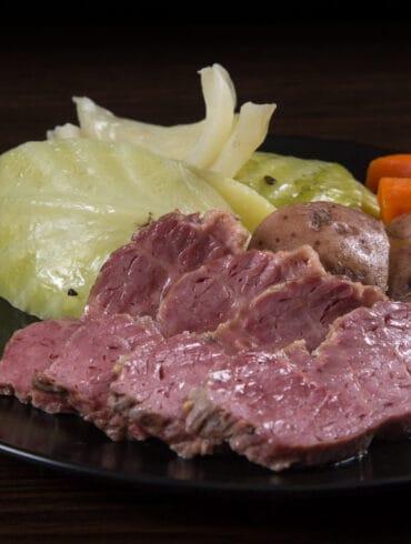 instant pot corned beef   corned beef instant pot   instant pot corned beef and cabbage   pressure cooker corned beef   corned beef cabbage instant pot   corned beef brisket instant pot #AmyJacky #InstantPot #PressureCooker #recipe #beef #holiday