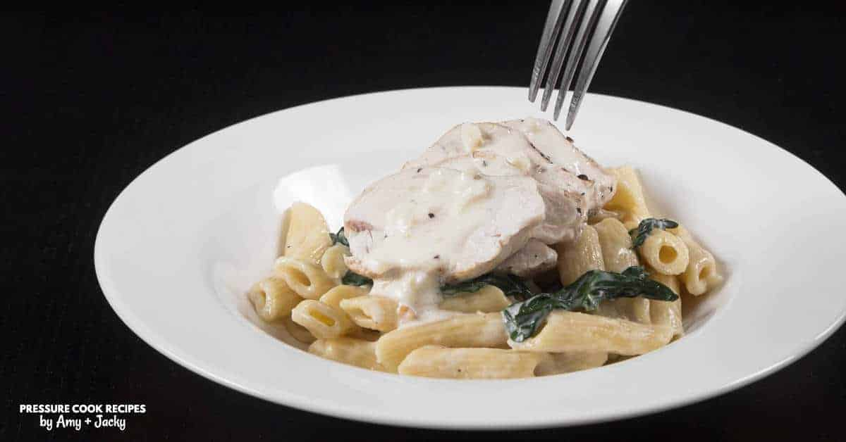 Easy Creamy Instant Pot Spinach Chicken Alfredo Pasta