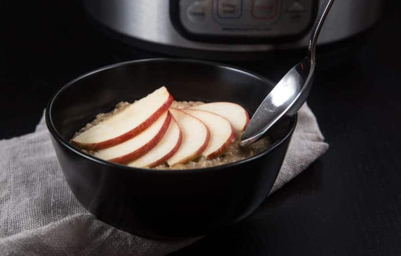 Healthy Hearty Instant Pot Oatmeal Recipe (Pressure Cooker Oatmeal): Make this creamy apple cinnamon oatmeal to comfort and warm your heart in the morning!