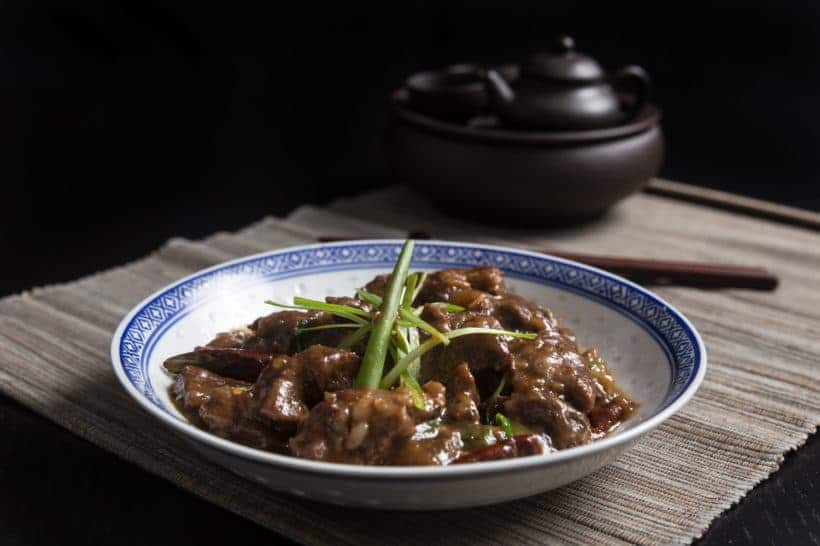 Make classic Chinese takeout Easy Instant Pot Mongolian Beef Recipe (Pressure Cooker Mongolian Beef): tender, juicy beef in yummy sweet-savory sauce.