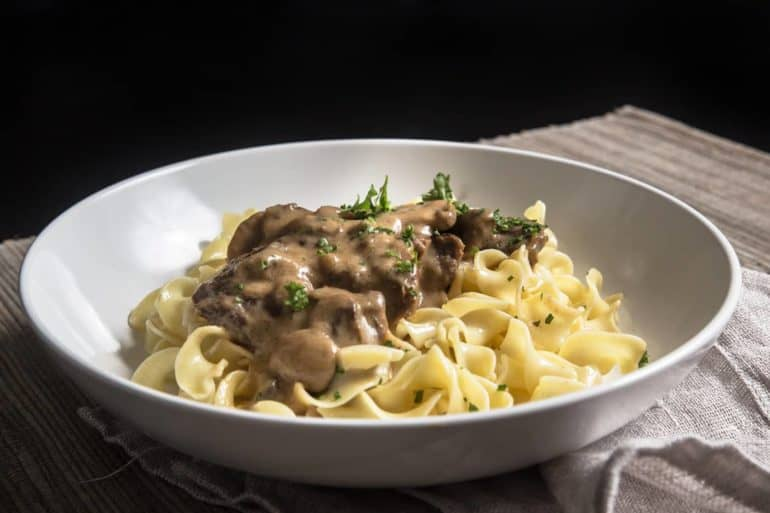 Make Umami Instant Pot Beef Stroganoff Recipe (Pressure Cooker Beef Stroganoff)! A satisfying mouthful sensation of tender beef in addictive umami sauce.