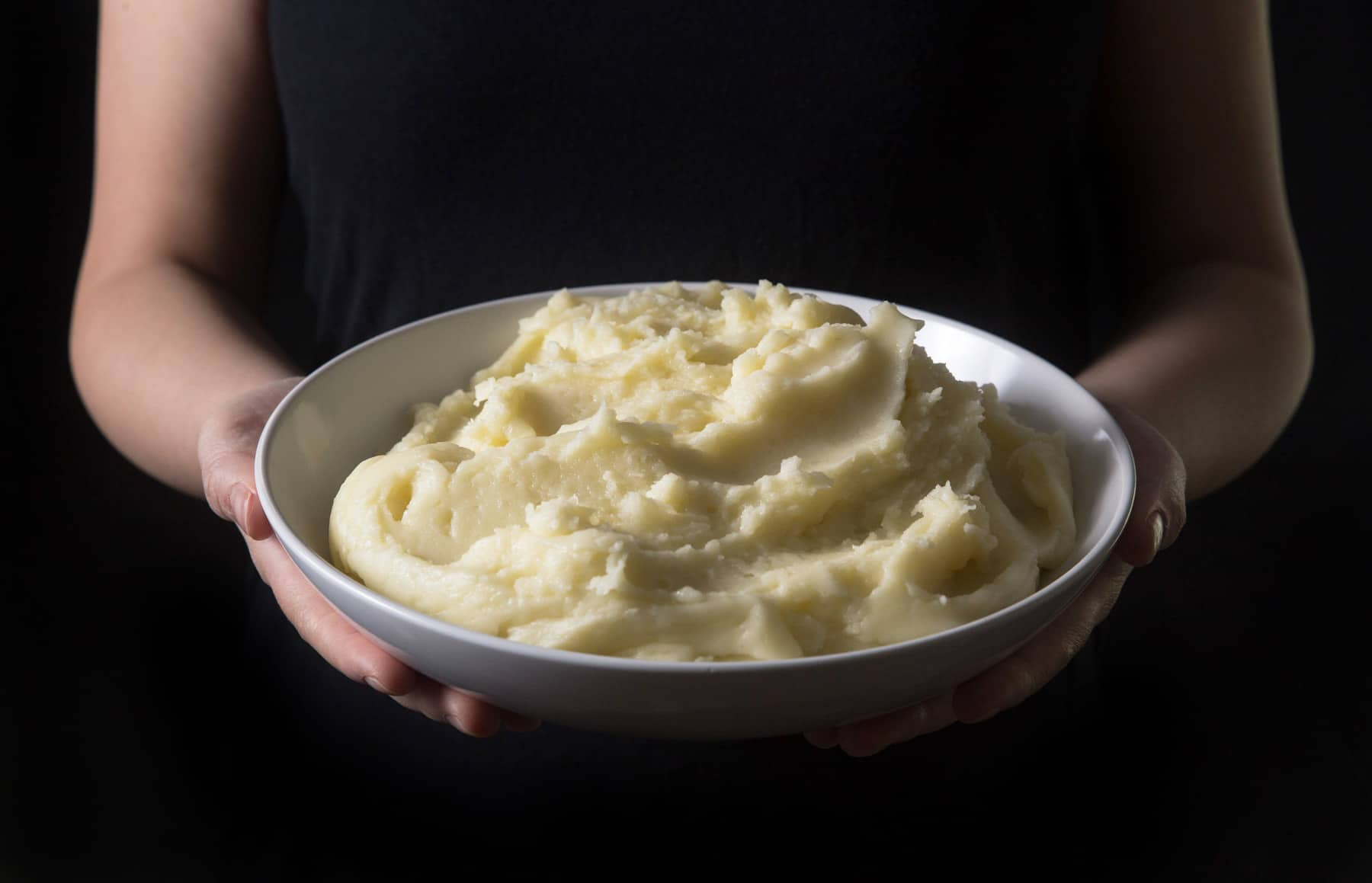 Michelin-Star Inspired Instant Pot Mashed Potatoes Recipe: how to make the best homemade mashed potatoes with 4 simple ingredients. Creamy smooth, fluffy and buttery spoonful of heaven.