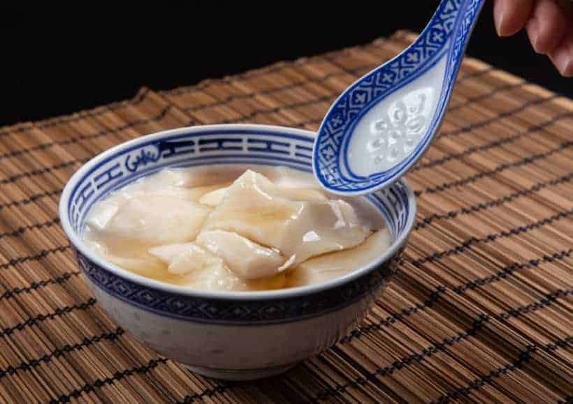 Fresh Melt-in-the-Mouth Instant Pot Tofu Pudding Recipe (Pressure Cooker Dou Hua 豆腐花): Silky smooth soybean pudding with sweet ginger syrup. Simple yet satisfying dessert. #instantpot #instapot #pressurecooker #powerpressurecooker #soymilk #vegan #vegetarian #recipes #chineserecipes #dessert