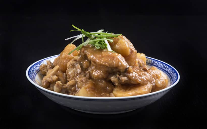 Instant Pot HK Braised Chicken with Potatoes Recipe 薯仔炆雞翼 (Pressure Cooker HK Braised Chicken with Potatoes): Recreate Childhood Favorite - tender chicken meshed with creamy potatoes in hearty gravy. Simple ingredients packed with delicious tastes like home. #instantpot #instantpotrecipes #pressurecooker #chineserecipes #recipes #pressurecooking #powerpressurecooker #chickenrecipes