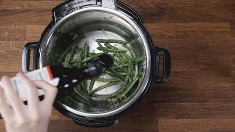 Instant Pot Green Beans Recipe (Pressure Cooker Green Beans): stir-fry fresh green beans with garlic, season with fish sauce