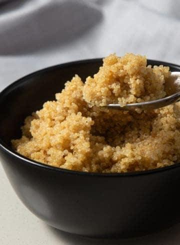 Instant Pot Quinoa | Instapot Quinoa | Pressure Cooker Quinoa | Quinoa Recipes | Instant Pot Rice | Pressure Cooker Rice | Instant Pot Healthy Recipes | Instant Pot Recipes | Pressure Cooker Recipes #instantpot #pressurecooker #rice #side #easy #healthy #vegan