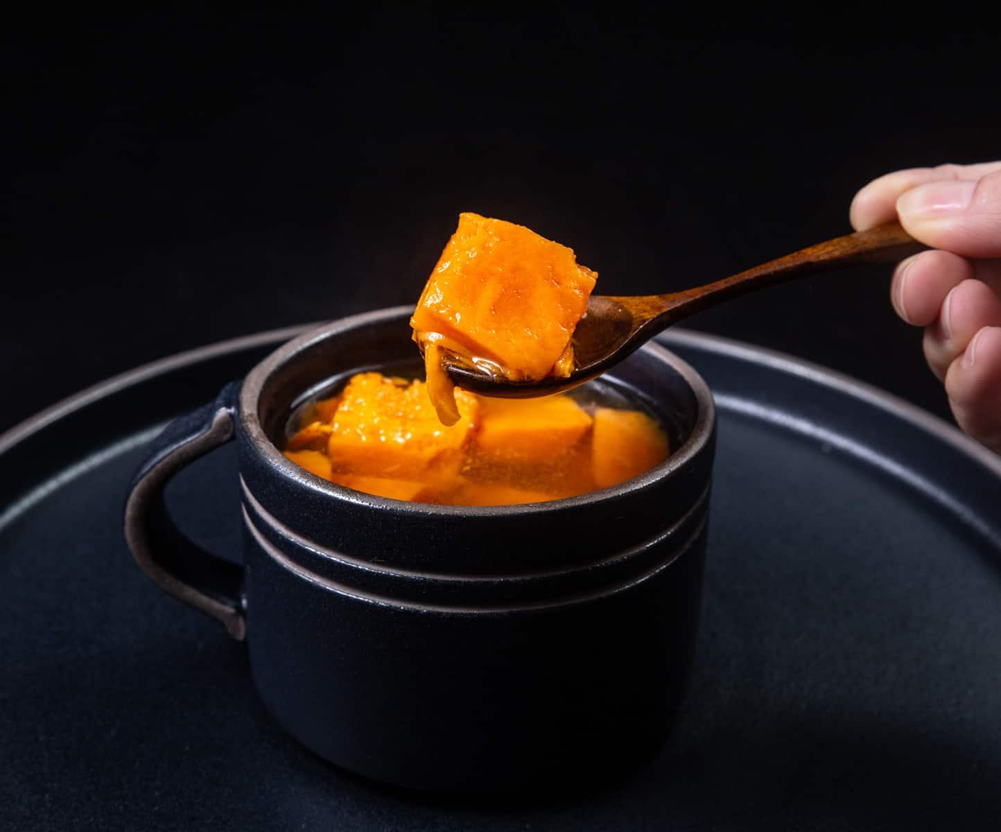 Instant Pot Chinese Sweet Potato Soup | 番薯糖水 | Pressure Cooker Chinese Sweet Potato Soup | 番薯姜糖水 | Sweet Potato Soup | Instant Pot Chinese Recipes | Instant Pot Dessert | Instant Pot Recipes | Instant Pot Soup