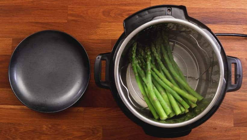 Pressure cooked asparagus in Instant Pot Pressure Cooker #AmyJacky #InstantPot #recipes #healthy