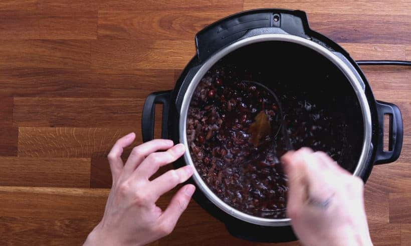 Black Beans in Instant Pot: season black beans in Instant Pot Pressure Cooker  #AmyJacky #PressureCooker #recipes #mexican #healthy
