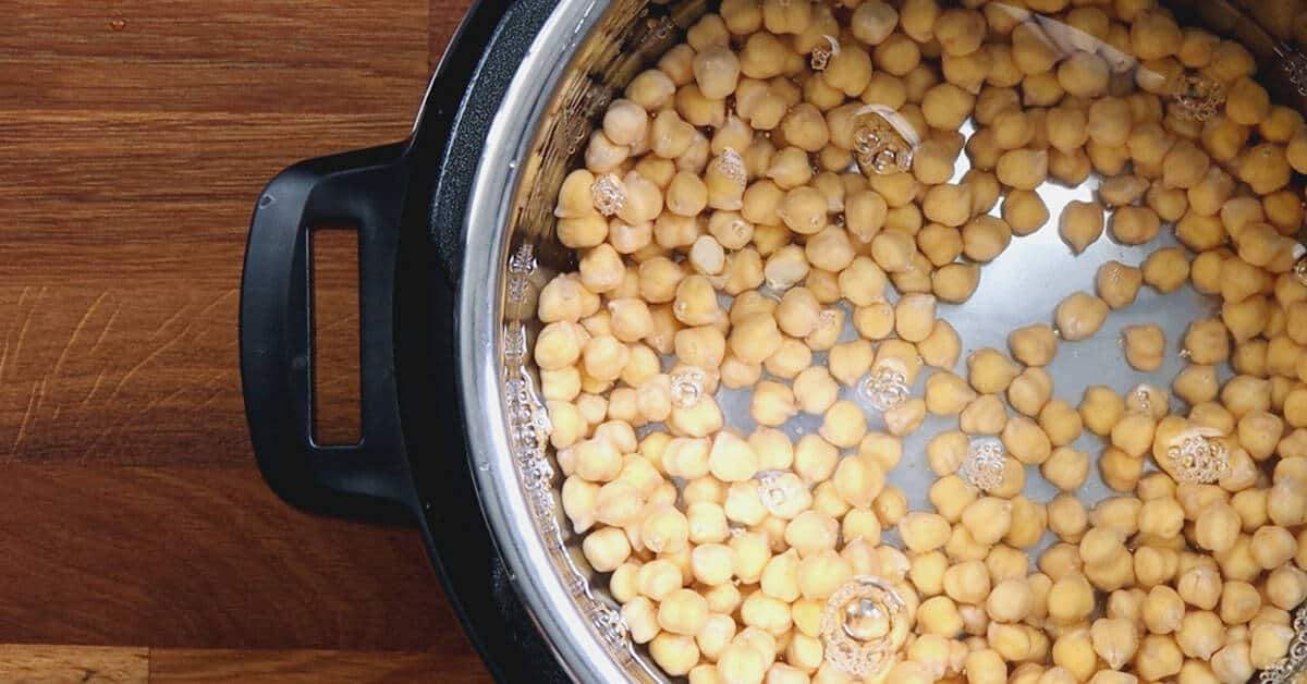 Instant Pot Chickpeas | Pressure Cooker Chickpeas | Instant Pot Garbanzo Beans | Instant Pot Beans | How to cook chickpeas | Chickpea recipes | Dried chickpeas #AmyJacky #InstantPot #PressureCooker #recipes #vegan #GlutenFree #vegetarian