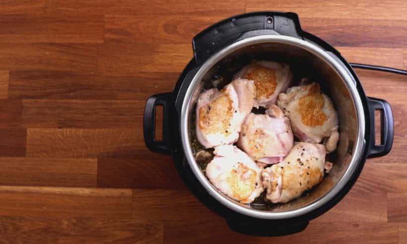 Pressure Cooker Chicken Pasta: add browned chicken thighs in Instant Pot Pressure Cooker  #AmyJacky #InstantPot #PressureCooker #recipes #pasta #chicken