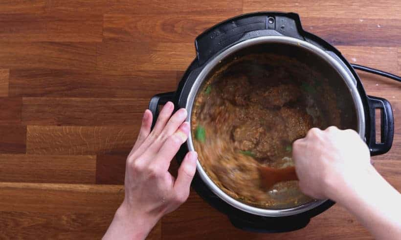Easy Beef Rendang: reduce beef rendang in Instant Pot until desired thickness #AmyJacky #InstantPot #PressureCooker #recipe