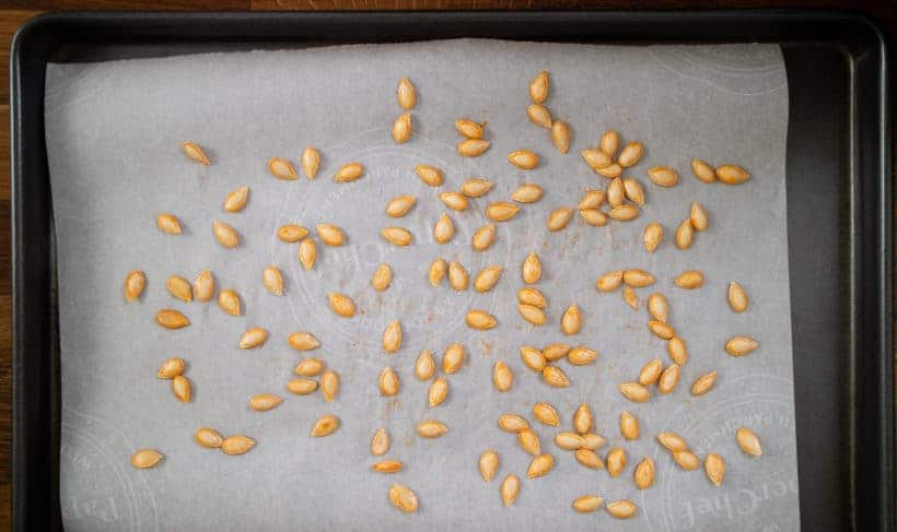how to roast butternut squash seeds #AmyJacky #recipe #sides #snacks #vegetarian #healthy