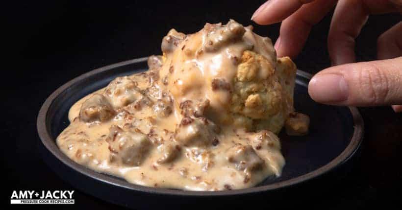 instant pot sausage gravy | instant pot biscuits and gravy | sausage gravy in Instant Pot | biscuits and gravy | sausage gravy | sausage gravy and biscuits | biscuits and gravy sausage | pressure cooker sausage gravy | biscuits | southern #AmyJacky #InstantPot #PressureCooker #recipe #breakfast
