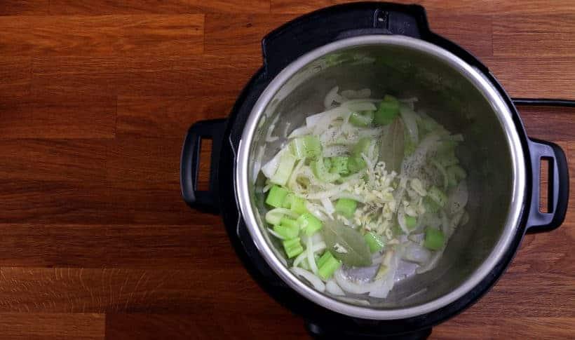 saute spices in Instant Pot Pressure Cooker #AmyJacky #InstantPot #PressureCooker #recipe #vegetarian #healthy