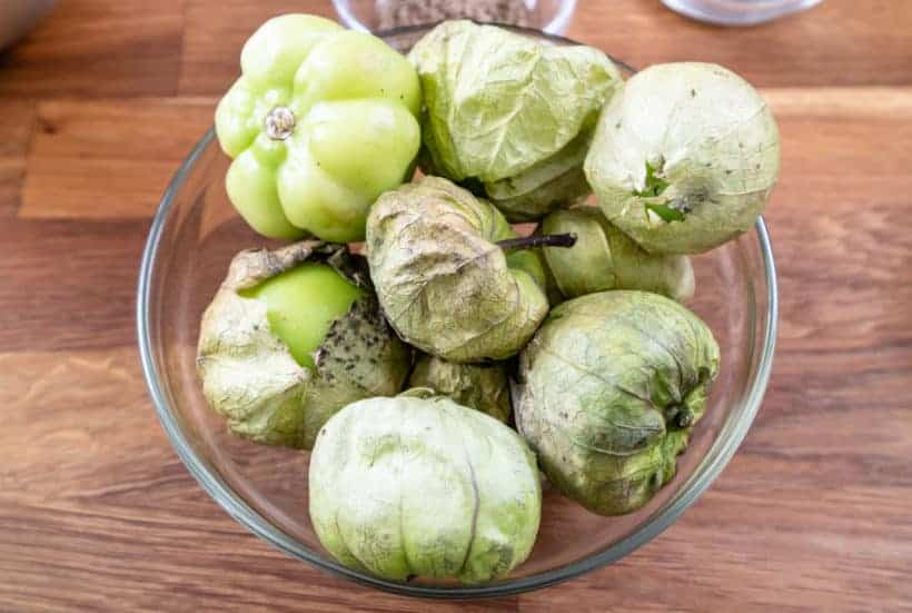 how to prepare tomatillos for chile verde #AmyJacky #InstantPot #PressureCooker #recipe #mexican