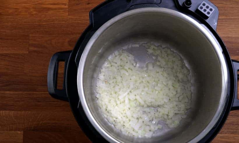 soften onions in Instant Pot Pressure Cooker  #AmyJacky #InstantPot #PressureCooker #recipe