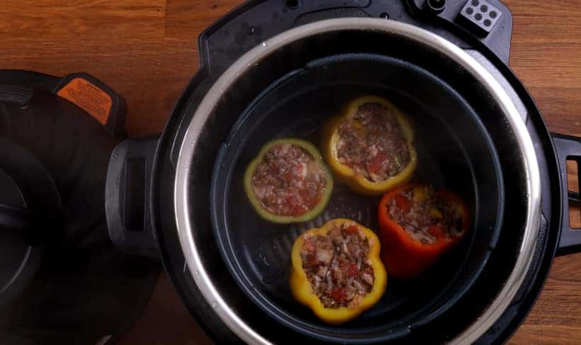 stuffed peppers in Instant Pot Pressure Cooker #AmyJacky #InstantPot #PressureCooker #recipe #beef #GroundBeef #rice