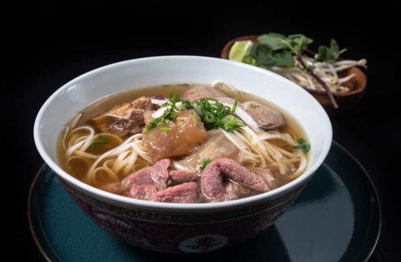 instant pot pho | instant pot pho recipe | instant pot pho beef | pressure cooker pho | instant pot beef pho | pho in instant pot | instant pot pho soup | instant pot pho broth #AmyJacky #InstantPot #PressureCooker #recipe #asian #vietnamese #soup #noodles