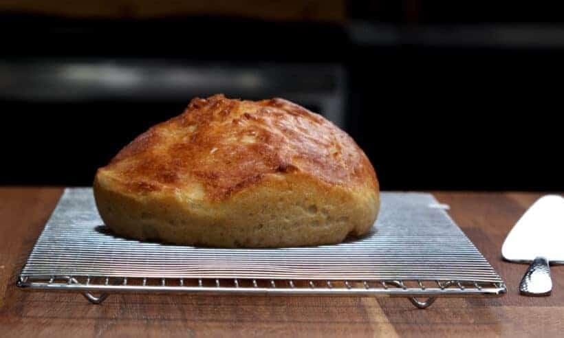cool bread on wire rack  #AmyJacky #recipe #bread