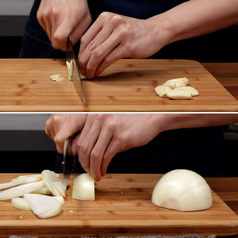 prepare sliced onions and minced garlic  #AmyJacky #recipe