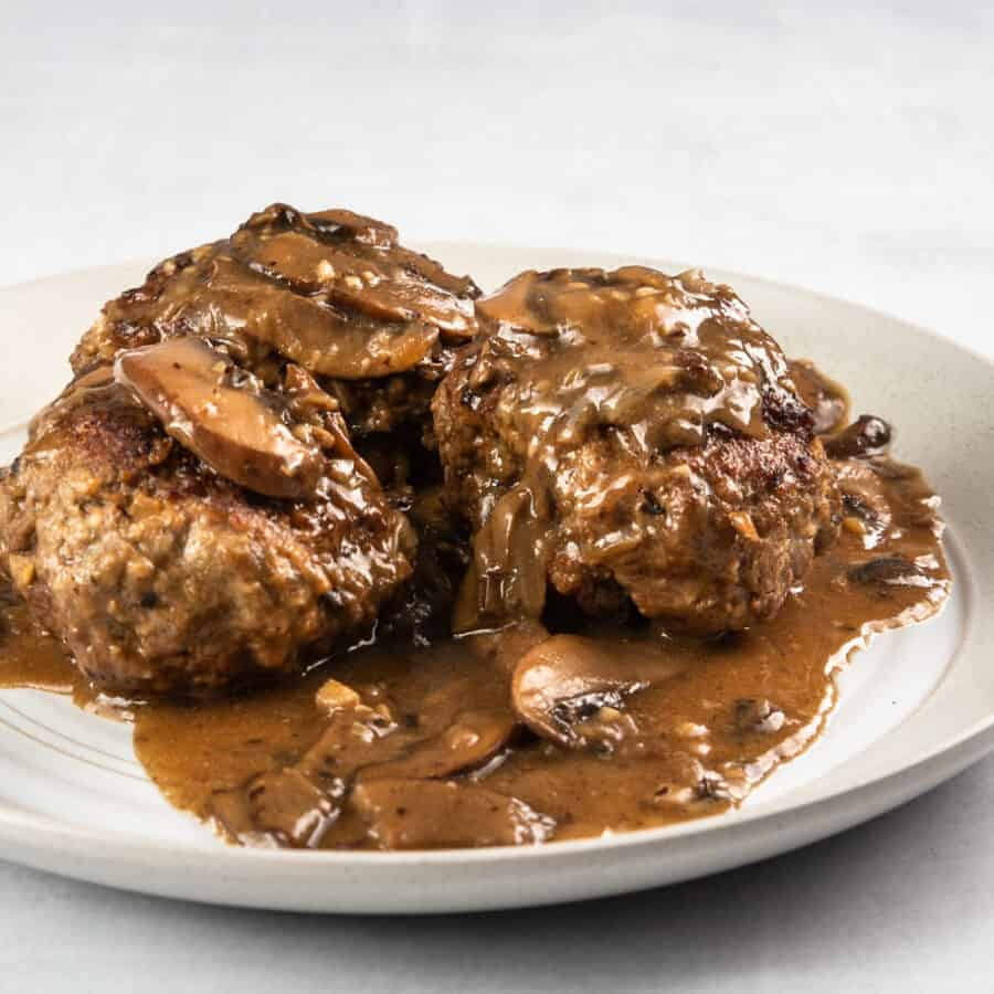 instant pot salisbury steak | pressure cooker salisbury steak | homemade salisbury steak | easy salisbury steak | salisbury steak with mushroom gravy #AmyJacky #InstantPot #GroundBeef #recipe