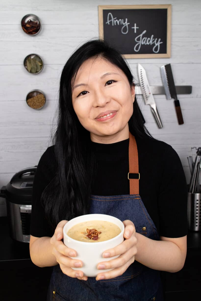 Amy Jacky mit Muschelsuppe