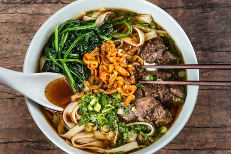 taiwanese beef noodle soup recipe   instant pot taiwanese beef noodle soup   pressure cooker taiwanese beef noodle soup   台灣牛肉麵   紅燒牛肉麵   instant pot recipes #AmyJacky #InstantPot #PressureCooker #beef #soup