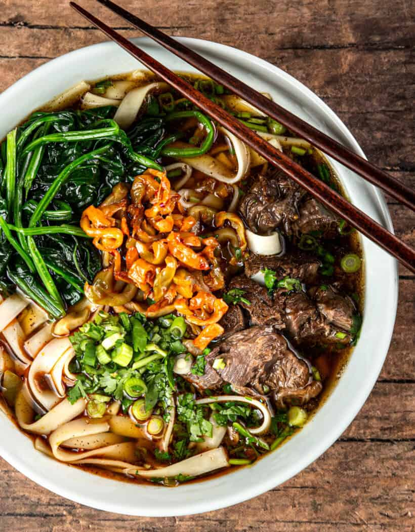 taiwanese beef noodle soup recipe | instant pot taiwanese beef noodle soup | pressure cooker taiwanese beef noodle soup | 台灣牛肉麵 | 紅燒牛肉麵 | instant pot recipes  #AmyJacky #InstantPot #PressureCooker #beef #soup