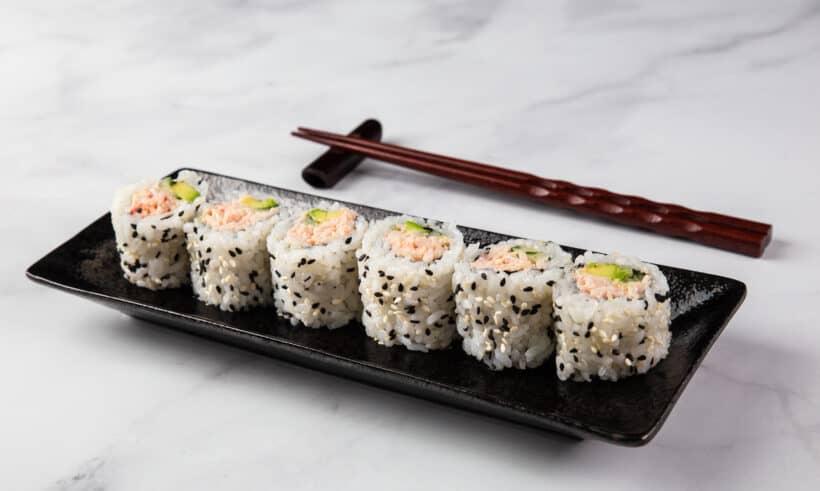 california roll | california roll sushi | california roll recipe | what is a california roll | sushi roll | sushi recipe | uramaki roll #AmyJacky #japanese #recipes #asian #rice